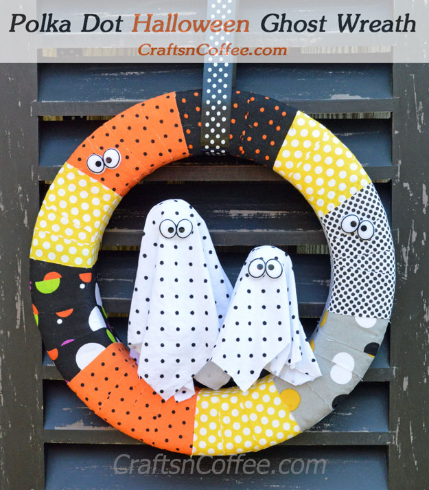 Great wreath for a non-scary Halloween! Easy, too. CraftsnCoffee.com.